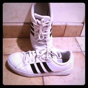 Adidas White Superstars Size 7 Preowned